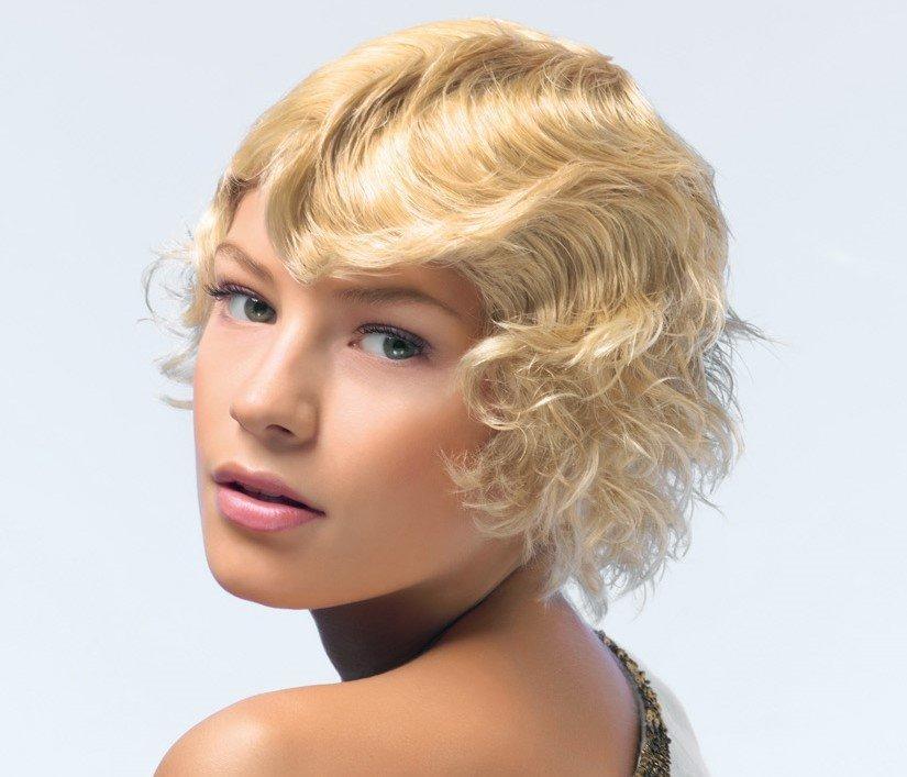 причёски из косичек на короткие волосы фото