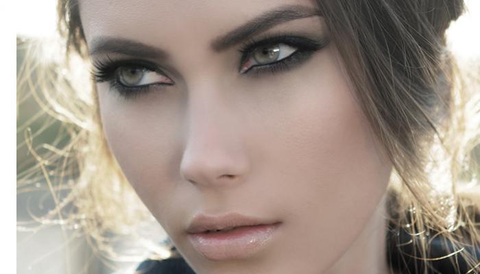 Дневной макияж для зелёных глаз и светлых волос