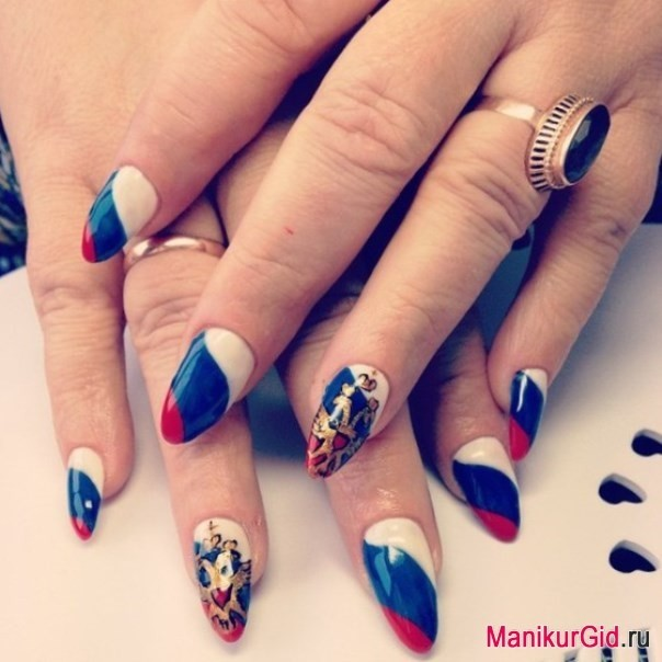 Дизайн ногтей с флагом россии