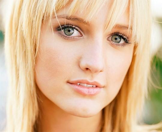 Макияж для блондинок с зелёными глазами