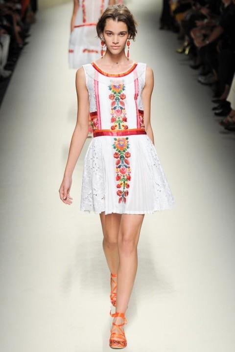 вечернее платье в русском стиле короткое