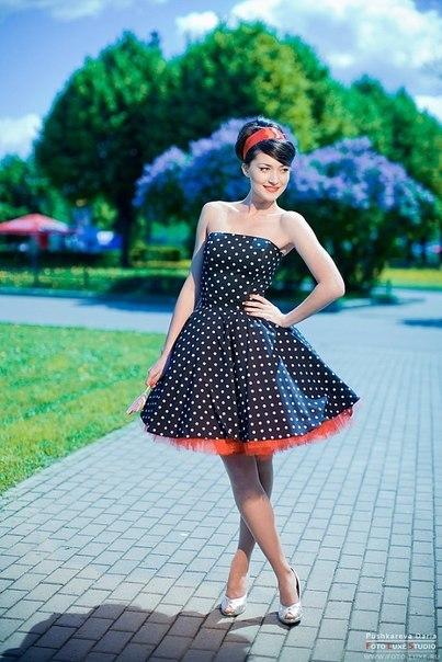 платья в горох в стиле 60-х