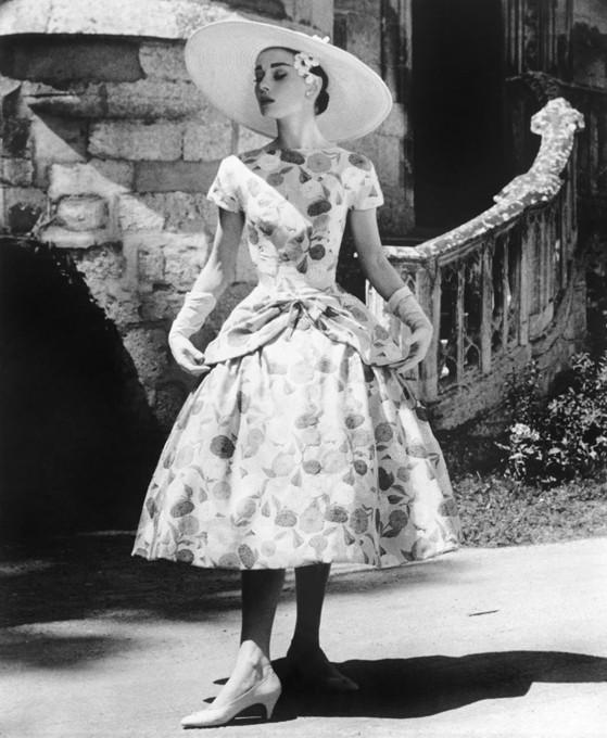 пышное платье в стиле 50-х