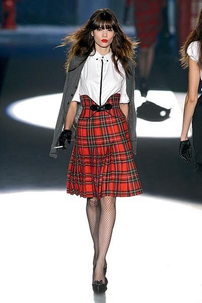 с чем носить юбку шотландку в клетку