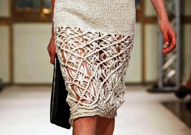 Вязанная крючком юбка карандаш