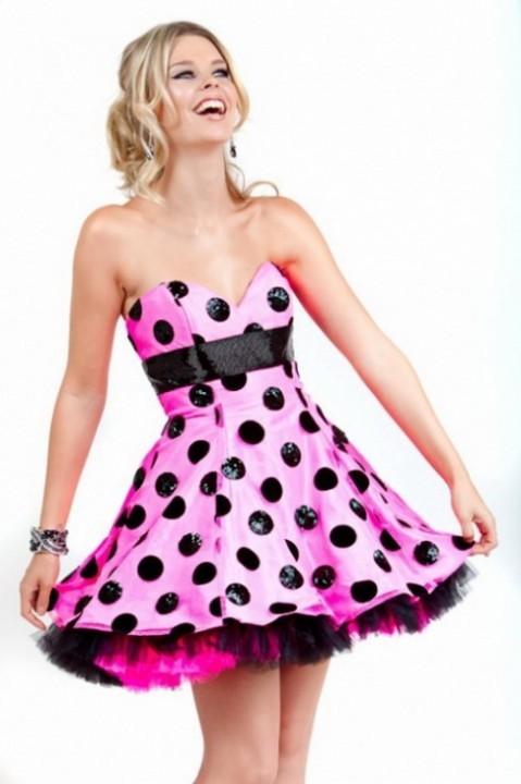 платья в стиле 60-х с пышными юбками