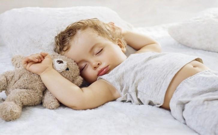 Дневной сон ребенка - время для сна и режим по возрасту