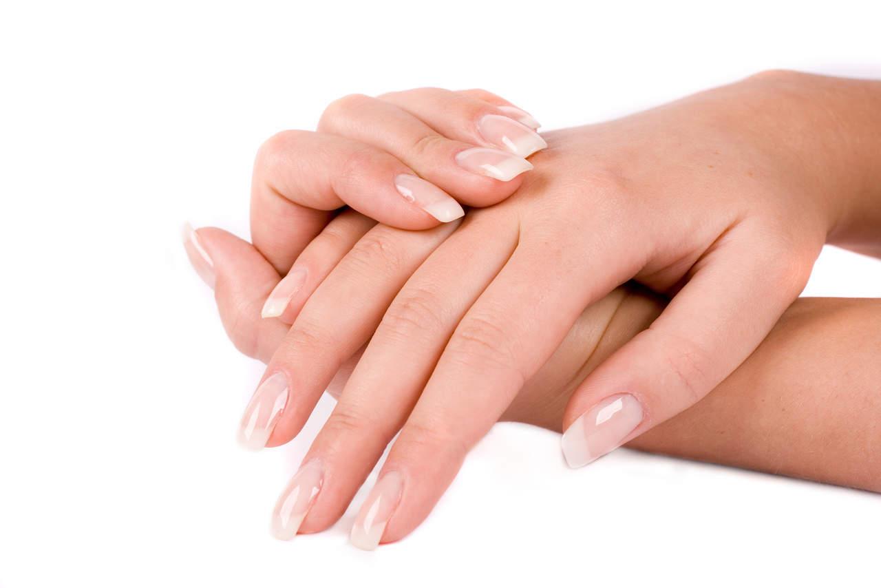 Маски, домашние ванночки и витамины для быстрого роста ногтей в домашних условиях