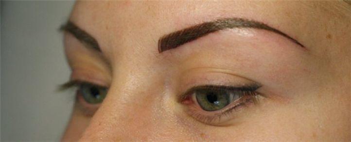 Татуаж глаз со стрелками