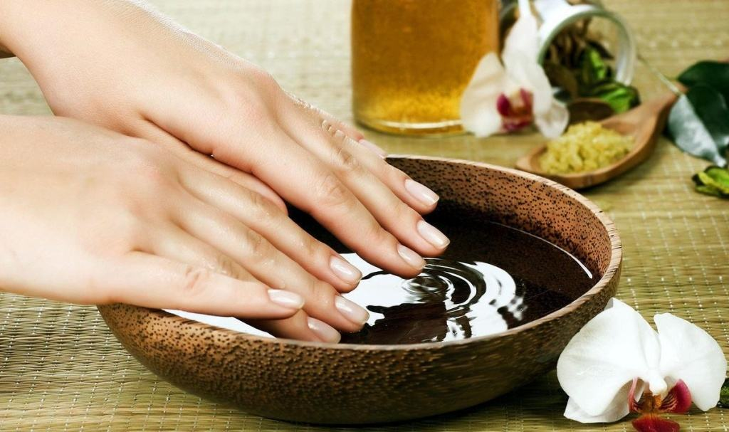 Маски для сухой кожи рук против трещин
