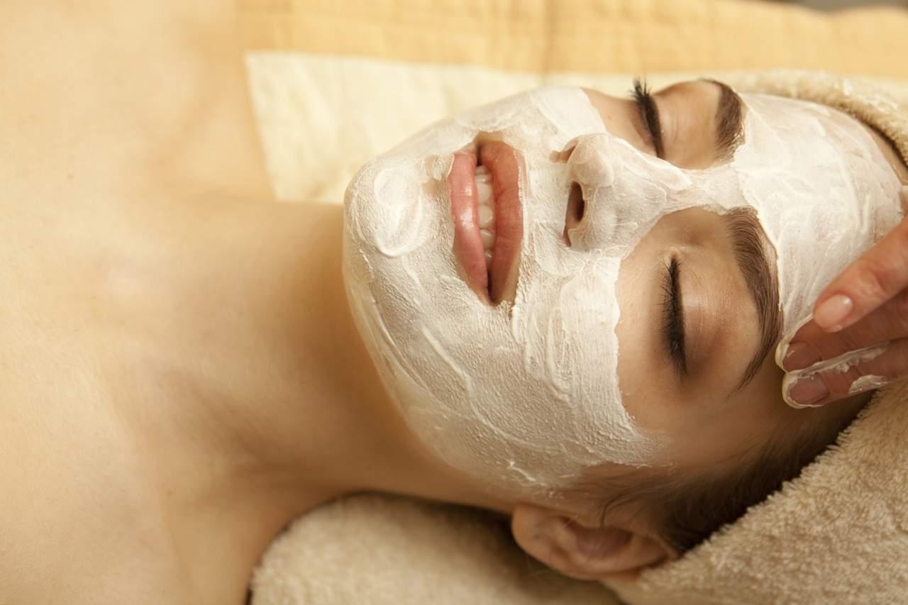 Маска для сухой кожи лица из творога