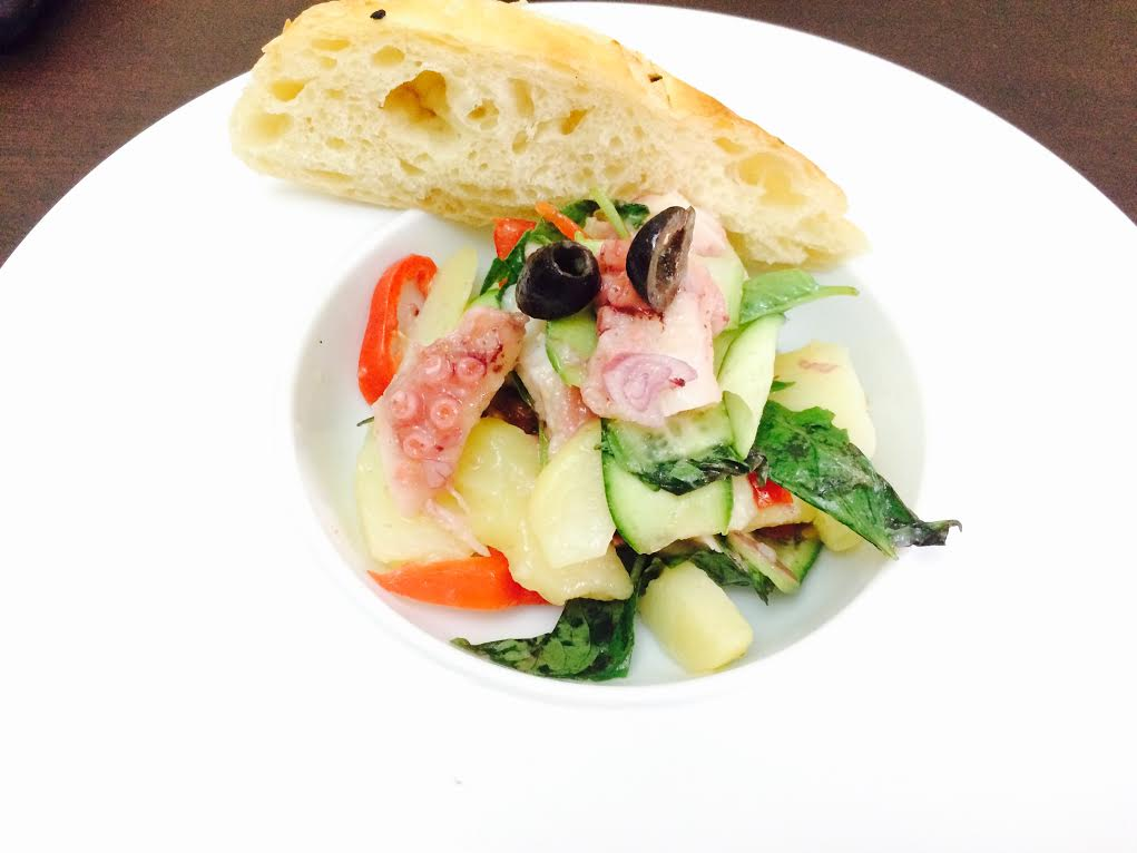 Салат с осьминогом. Рецепт
