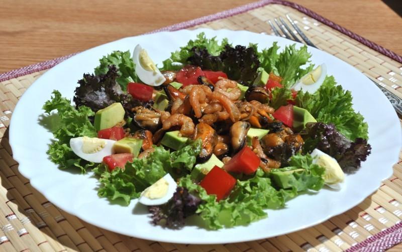 salat-s-midiyami-i-krevetkami_1436352432_0_max