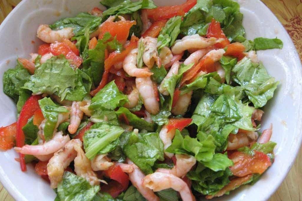 """Салат """"Морской коктейль"""" с овощами"""