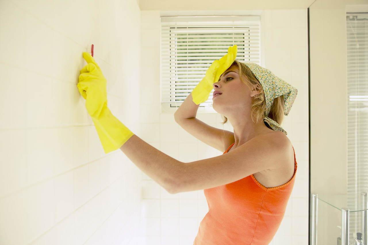 Удаление плесени в ванной комнате своими руками уксусом
