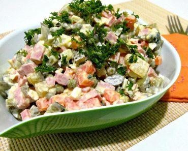 Салат Оливье - классический рецепт с колбасой, курицей или другим мясом и солеными огурцами. Приготовление вкусного салата, фото, видео