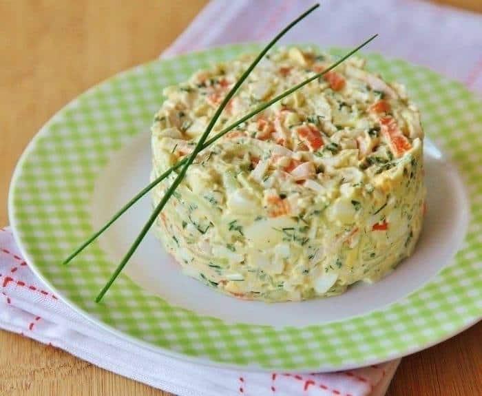 Крабовый салат с крабовым мясом