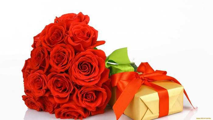 Подарок подруге на 8 марта