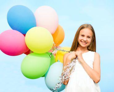 Что подарить девочкам на 8 марта. Подарок дочке, маленькой девочке или подростку, детям в классе