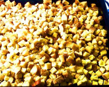 Сухарики в духовке с чесноком и сладкие из белого и черного хлеба. Рецепт с фото в домашних условиях, видео, как сделать сухарики