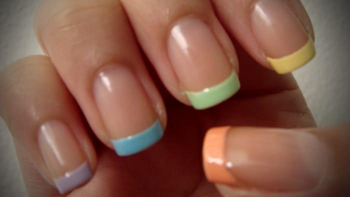 Наращивание ногтей яркие френчи фото
