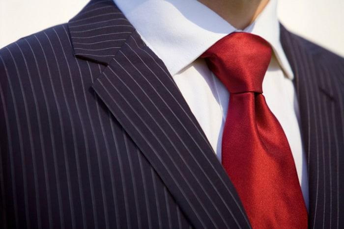 Классический узел галстука