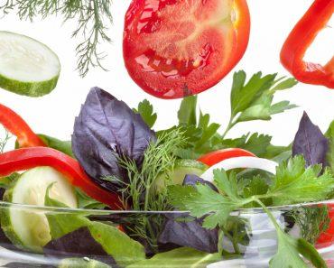 Диетические салаты простые и вкусные: рецепты, фото, видео. Салат с капустой,тунцом, курицей (грудкой), авокадо, яйцом, огурцом и свеклой