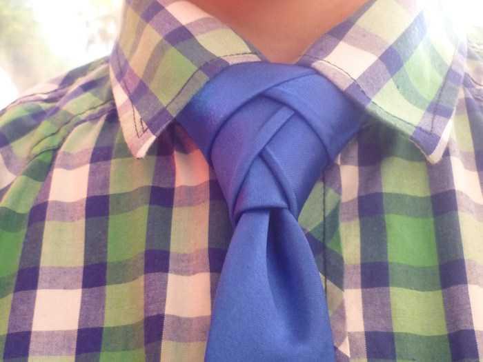 Узел галстука Элдридж: как его завязать
