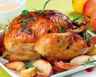 Курица, запеченная с картошкой в духовке целиком, в горшочке и рукаве в домашних условиях: рецепт пошагово, фото, видео