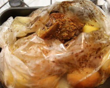 Курица, запеченная в рукаве в духовке кусочками и с картошкой - рецепт, как приготовить пошагово с фото и видео