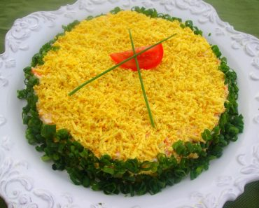 "Салат ""Мимоза"" с консервами и рисом в домашних условиях - рецепт пошагово, фото, видео"