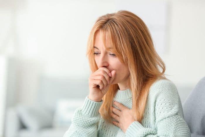 Симптомы коронавируса у взрослого человека, женщины, мужчины, ребенка, признаки в первые дни