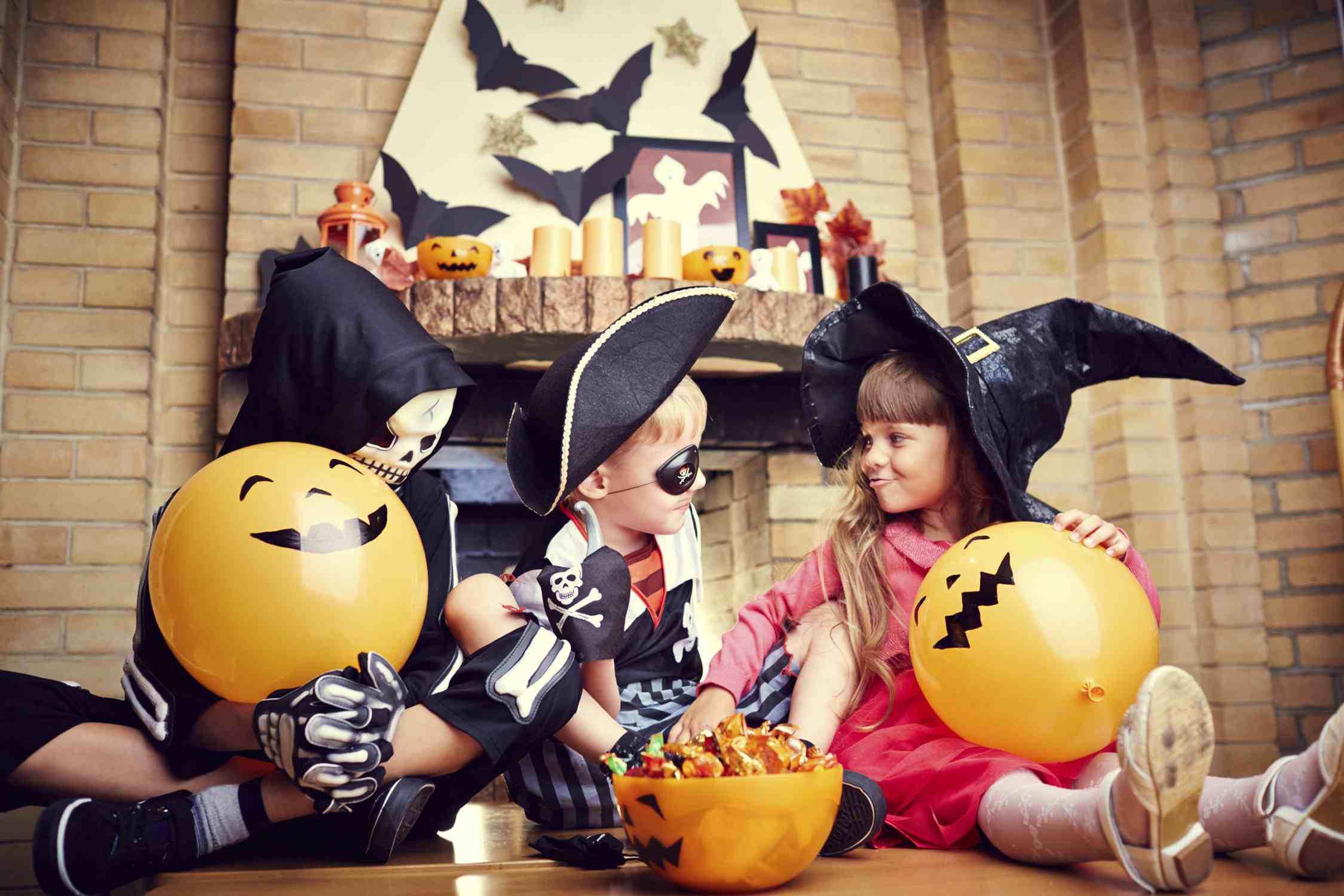 Хэллоуин для детей: как организовать праздник своими руками дома