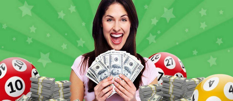 девушка выиграла деньги в лотерею
