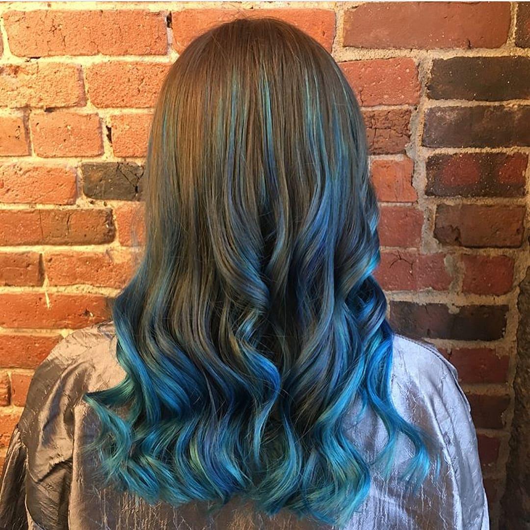 Синие волосы, мелирование