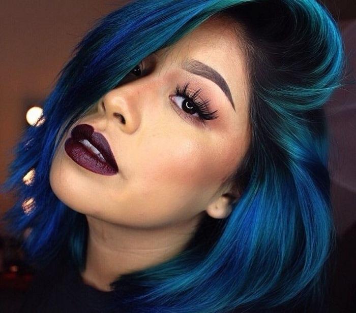 Смуглая кожа, синие волосы