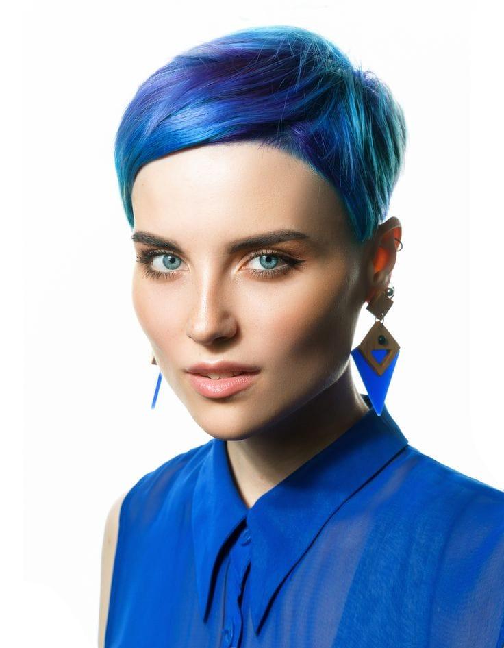 Синие волосы короткие