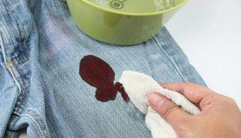 Чем выводить пятна крови